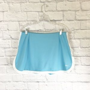 Nike tennis skirt in light blue sz L
